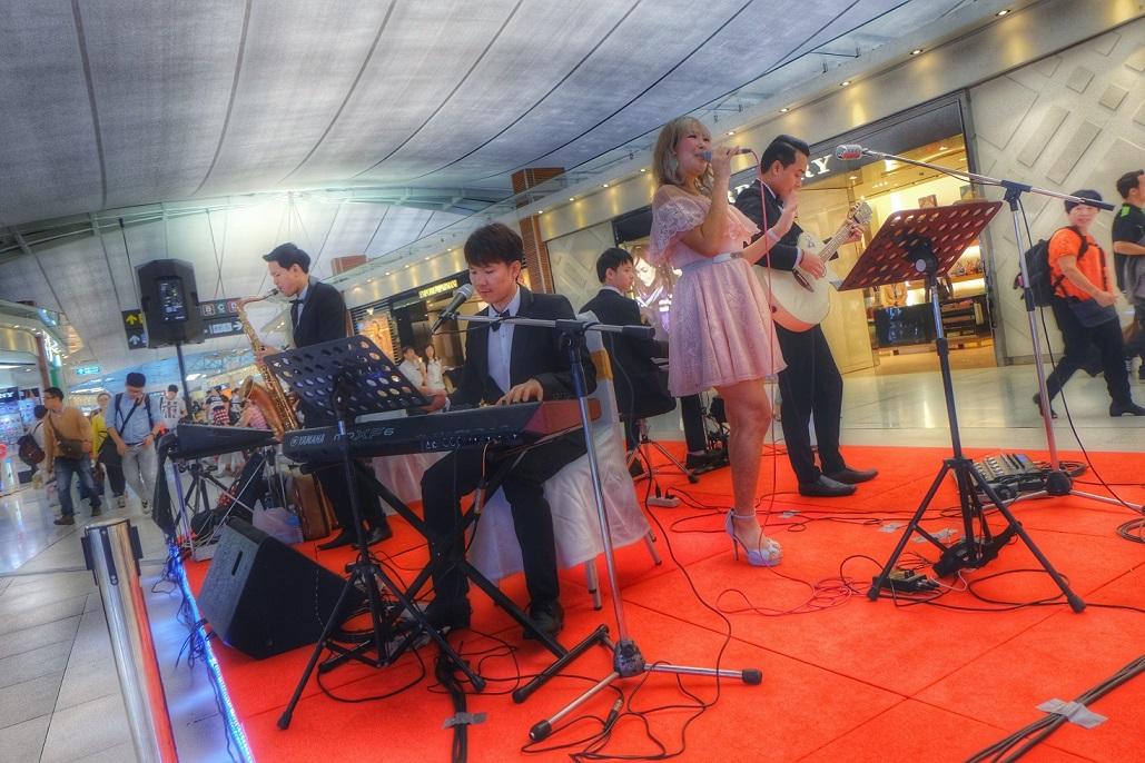 วงดนตรีสากล-สนามบินสุวรรณภูมิ-1