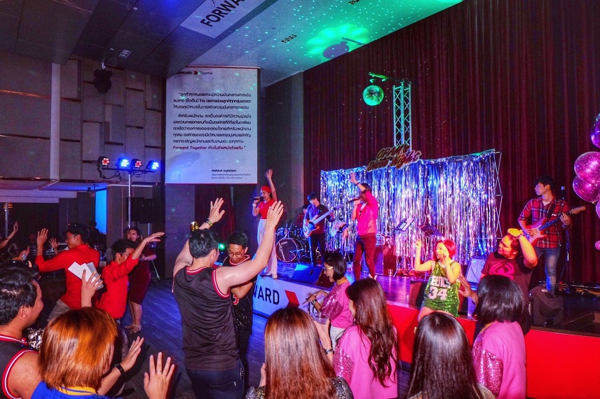 งานเลี้ยงปีใหม่ วงดนตรีงานเลี้ยง puppada 6